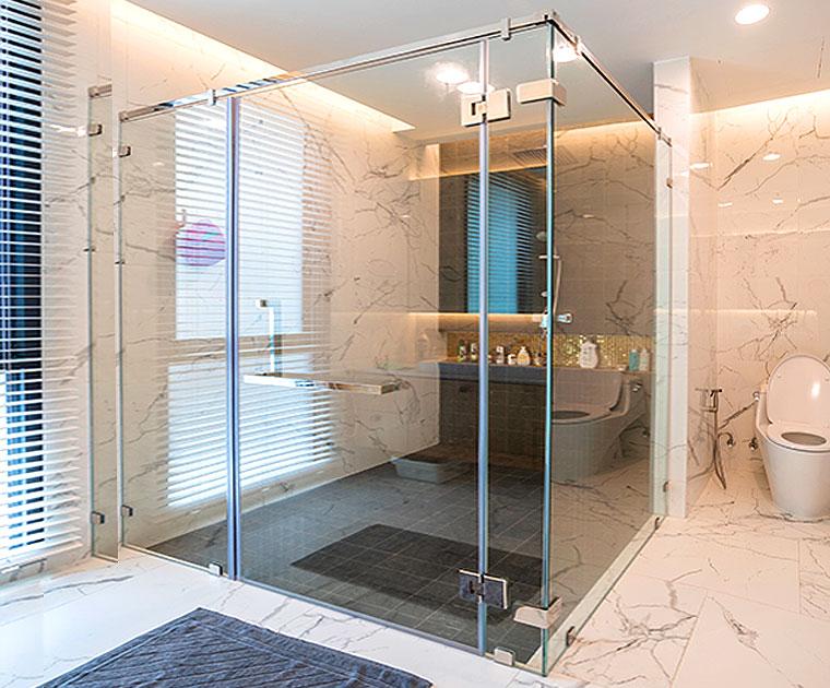 ฉากกั้นอาบน้ำแบบบานเปิด / บานเลื่อน / บานเข้ามุม
