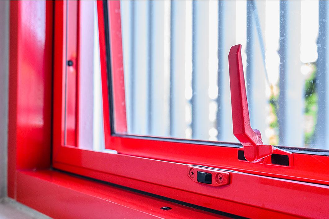 งานประตู / หน้าต่าง เฟรมอลูมิเนียม และชุดประตู Auto censor สั่งสีพิเศษ